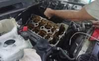 Ремонт-двигателя-БМВ-1-замена-колец-прокладки-клапанной-крышки- 200х125