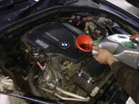 Обслуживание-БМВ-Замена-моторного-масла-и-расходных-материалов