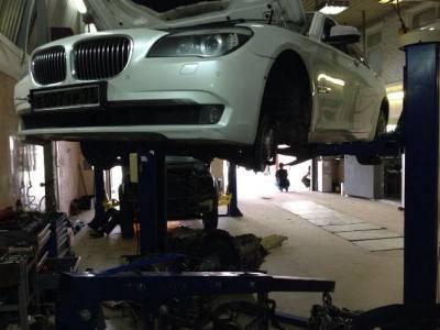 Ремонт двигателя BMW 750