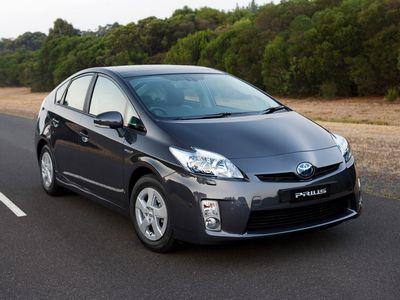 Автомобиль Toyota Prius